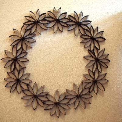 $1 Decor: Paper Flower Wreath