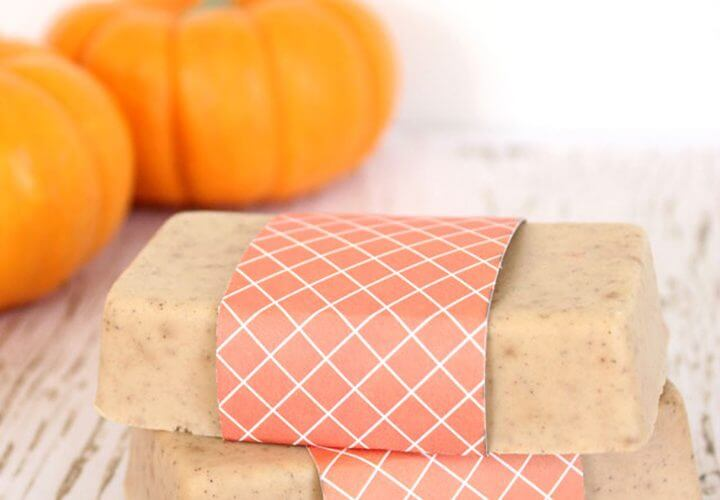 10-Minute DIY Pumpkin Spice Soap