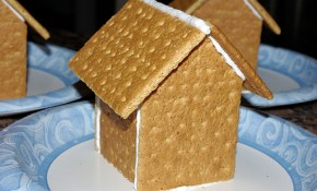 Graham Cracker Gingerbread House Tutorial