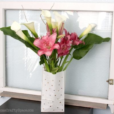Easy Vase Makeover & Lovely Lilies