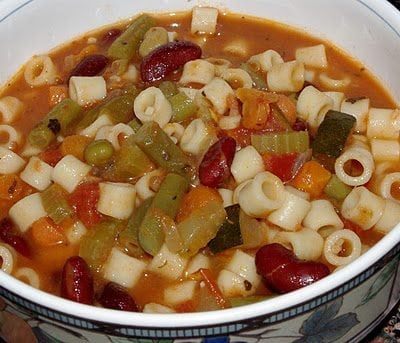 Kids Cook! Everything-But-the-Kitchen-Sink Minestrone Soup {Recipe}
