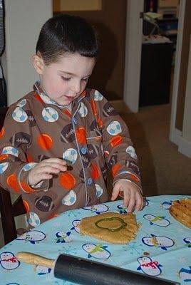 Peanut Butter Playdough {Recipe}