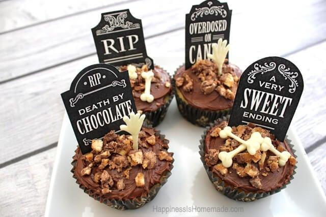 Halloween Graveyard Cupcakes #SpookyCelebration #shop