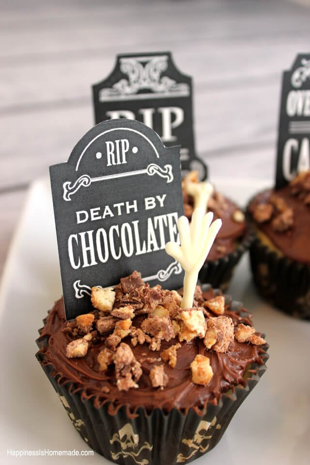 halloween graveyard and bones cupcakes shop