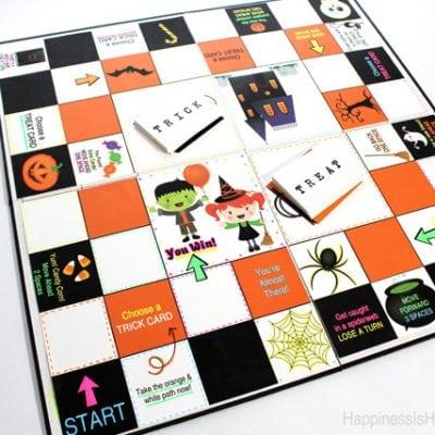 Glow-in-the-Dark Halloween Board Game