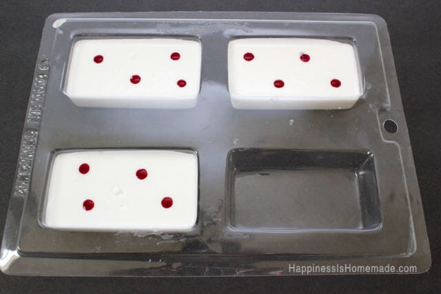 Making Peppermint Swirled Soap