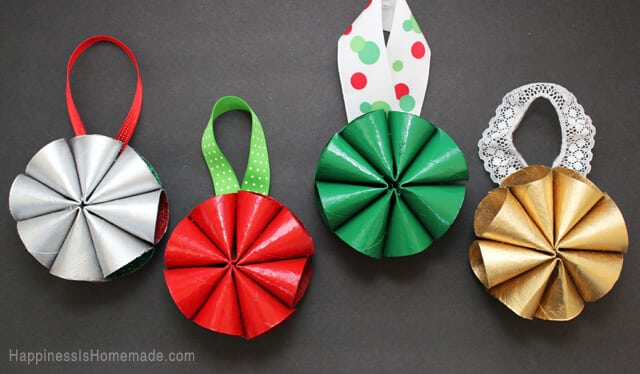 Mid-Century Inspired Modern Mini Christmas Wreath Ornaments