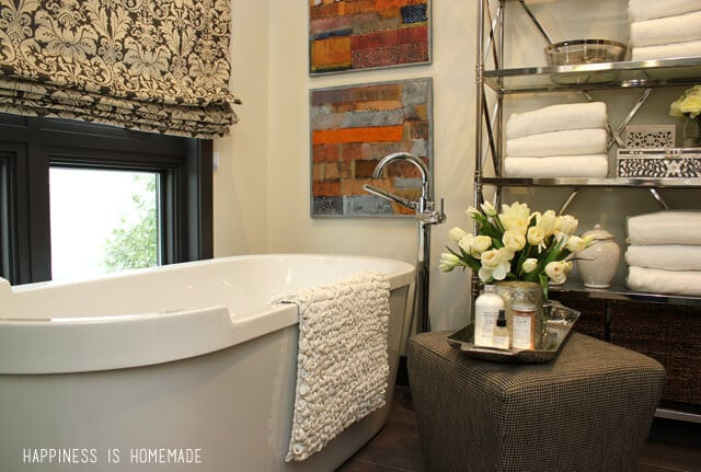 Bathroom with Delta Faucet Tub Filler at the 2014 HGTV Dream Home ...