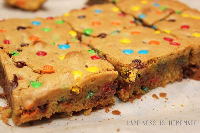 M&M Blondie Cookie Bar Recipe #shop