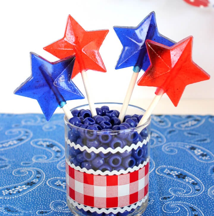 diy patriotic lollipops for 4th of july happiness is homemade. Black Bedroom Furniture Sets. Home Design Ideas