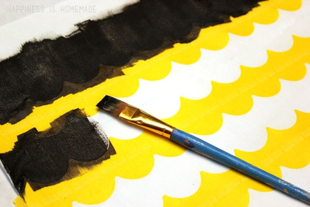 Painting Scallop Stripes on Fabric with Shape Tape