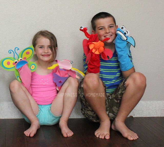 Sock Puppet Crafting is a Great Playdate Activitiy