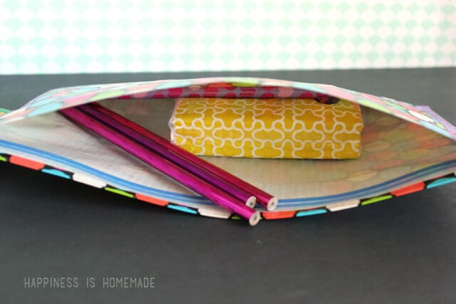 No Sew Zippered Duck Tape Pencil Pouch