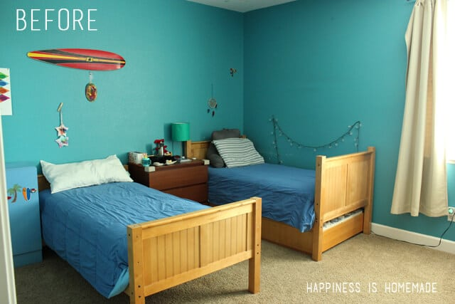 Boys Bedroom Graphic Racing Stripes Painted Accent Wall - Striped accent walls bedrooms
