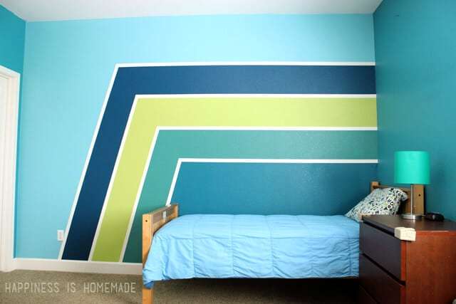 ... Gradient Racing Stripe Painted Wall