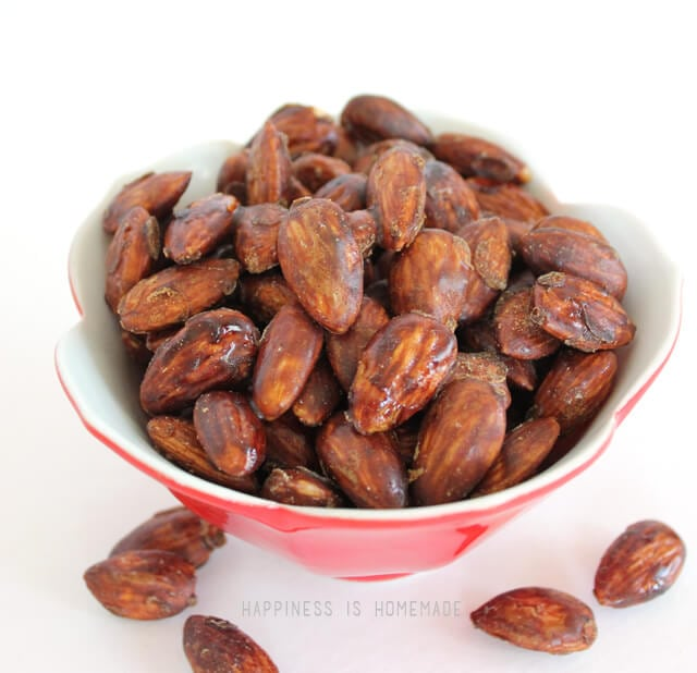 Paleo Caramelized Cinnamon Almonds with Coconut Sugar