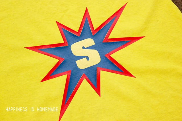 Easily Personalize No Sew Superhero Capes with Heat Transfer Vinyl