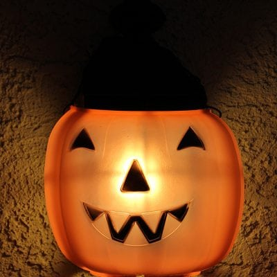 The Cheapest & Easiest Halloween Decorations EVER – Jack O'Lantern Porch Lights