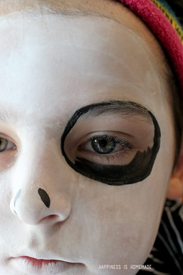 15-Minute Jack Skellington Halloween Makeup - Happiness is Homemade