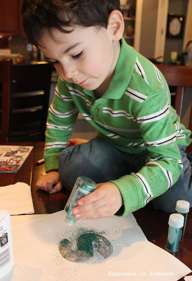 Christmas Kids Craft - Glitter Ornaments