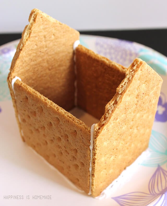 How to Make a graham Cracker Gingerbread House - Step 5