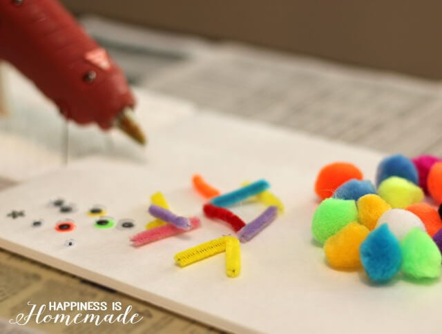 Pom Pom Bug Making Station