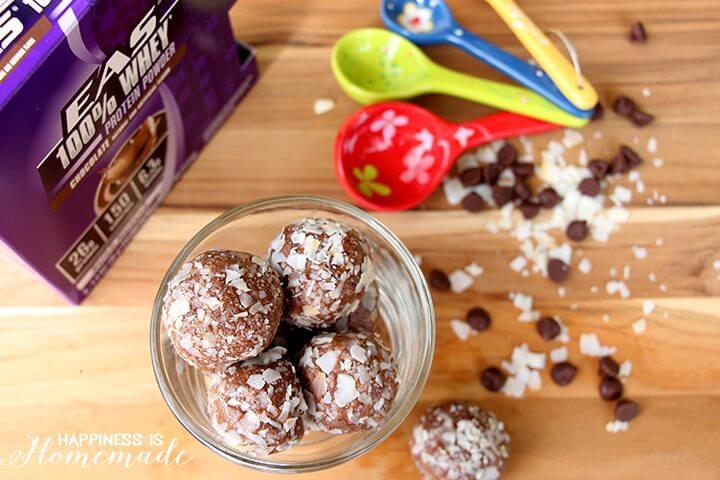 No Bake Chocolate Coconut Protein Balls