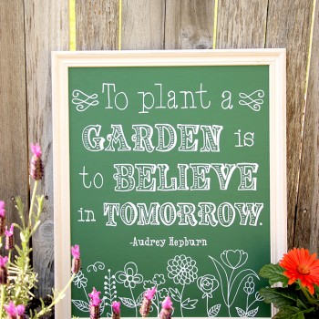 Easy DIY Faux Chalkboard Art