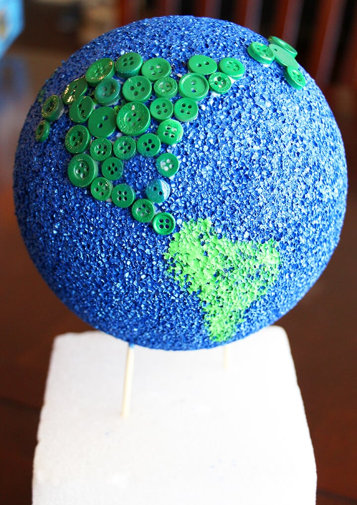 Button Globe in Progress