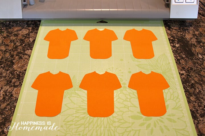 Cutting Paper Baseball Jerseys for Team Snack