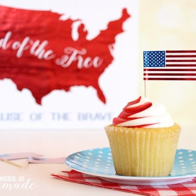 "Metallic Foil Flags + ""Land of the Free"" Printables"