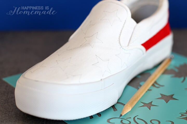 Stenciled Star Shoes for 4th of July