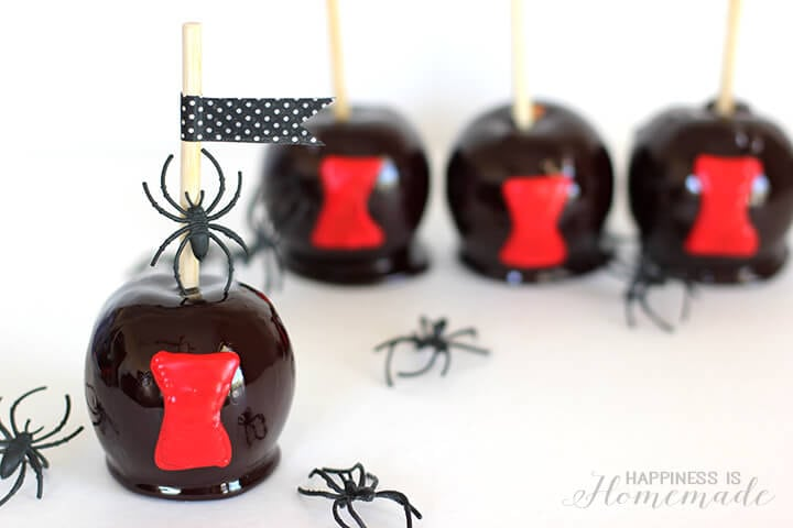 Black Widow Candy Apples Halloween Treat