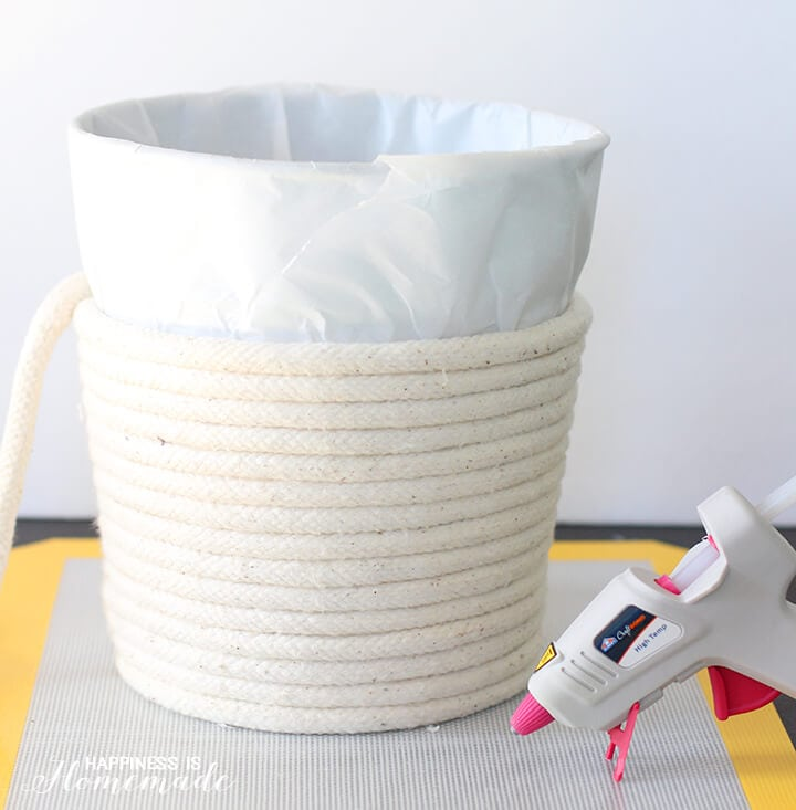 Diy no sew rope baskets happiness is homemade how to make a no sew rope basket with elmers hot glue solutioingenieria Image collections
