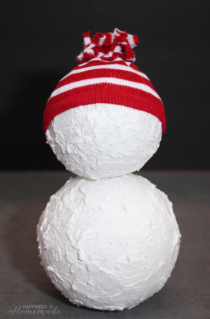 Make Your Own Holiday Snowman Decoration from Foam Balls