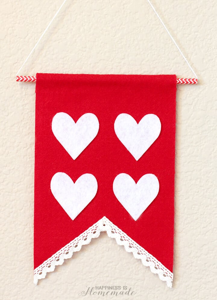 Valentine's Day Felt Heart Wall Banner