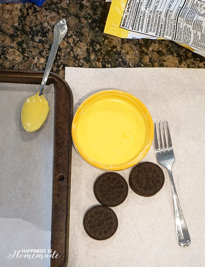 Dipping Oreos in Wilton Candy Melts