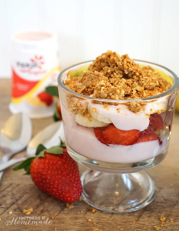 Strawberry Banana Parfait with Yoplait Yogurt