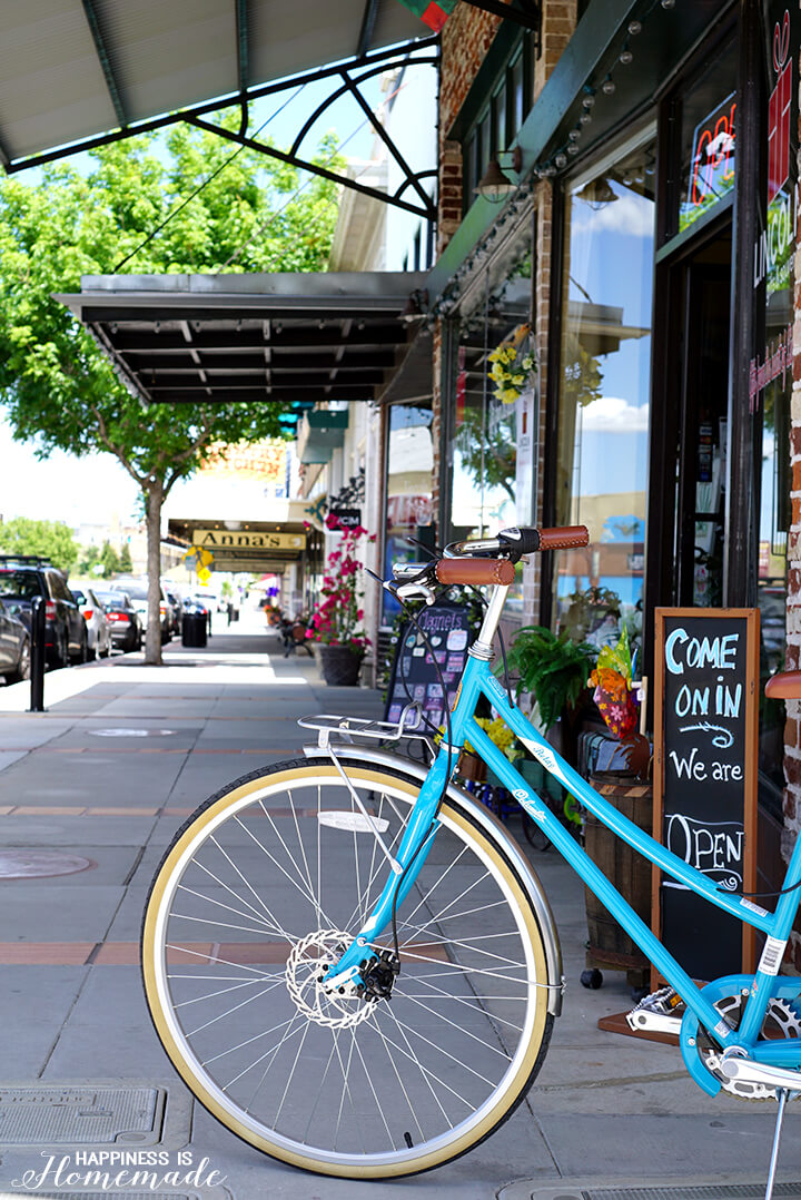 The Columbia Relay Bike is Perfect for Riding in the City