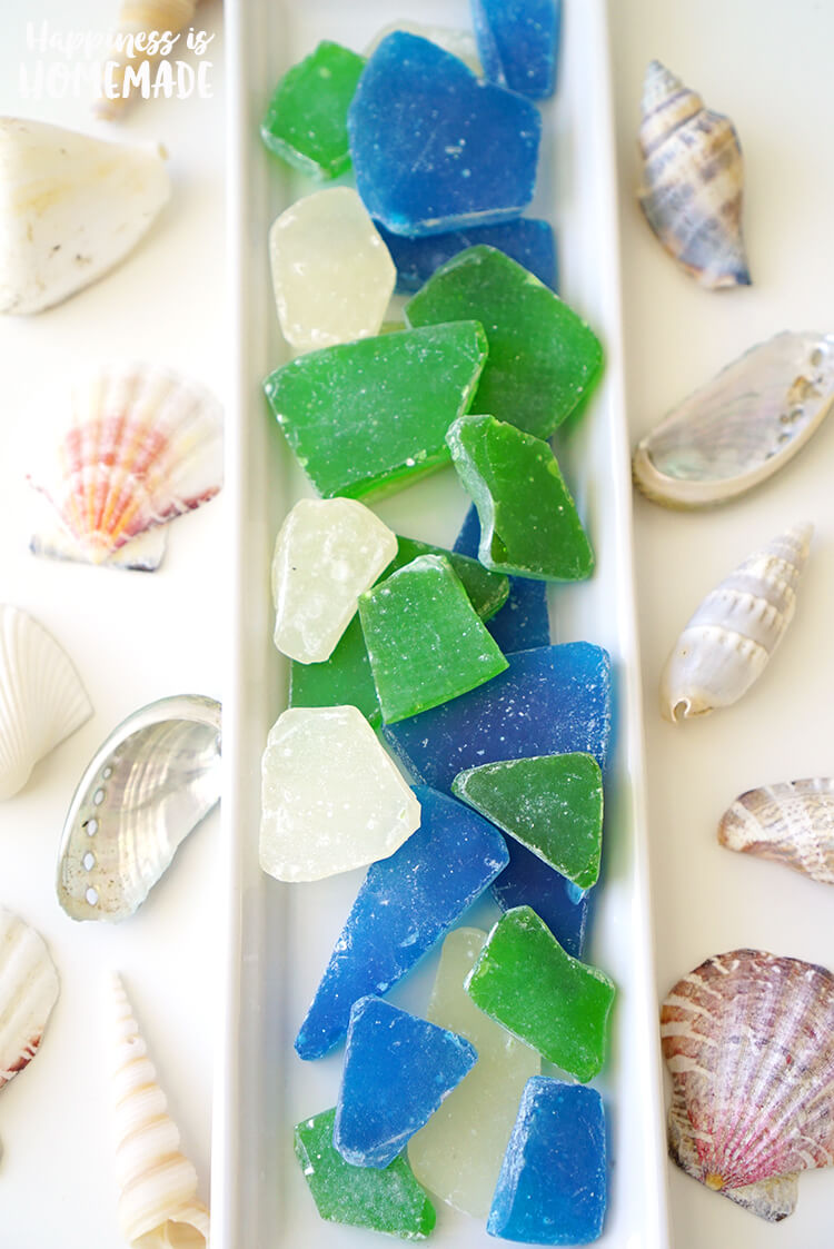 DIY Sea Glass Candy - Edible sea glass candy is super quick and easy to make, so it's the perfect party favor for your next ocean or beach themed party or wedding!