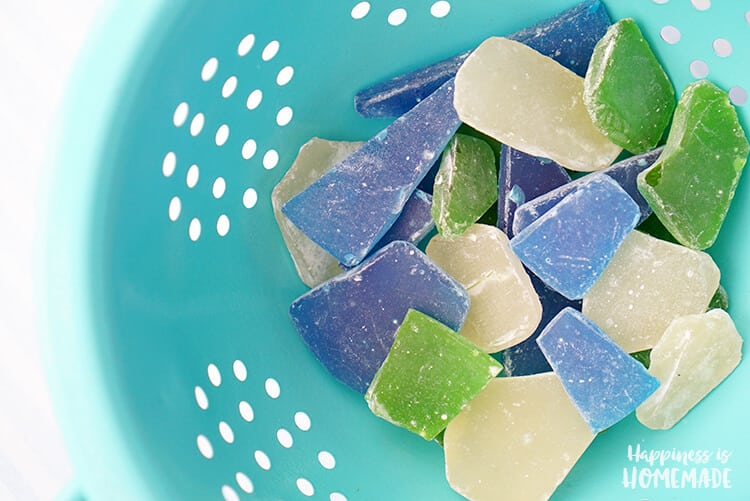Sea Glass Candy - Edible sea glass candy is super quick and easy to make, so it's the perfect party favor for your next ocean or beach themed party or wedding!