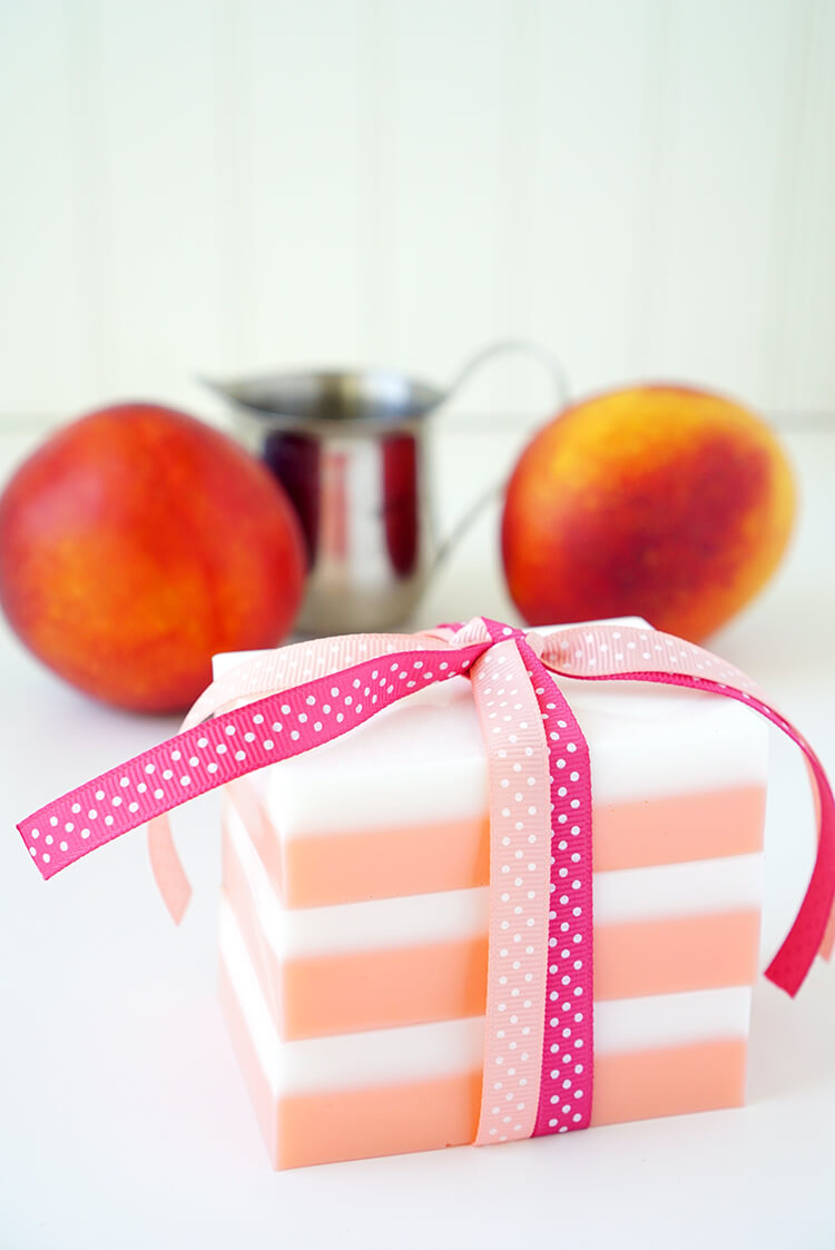 DIY Peaches and Cream Soap - Easy Homemade Gift Idea