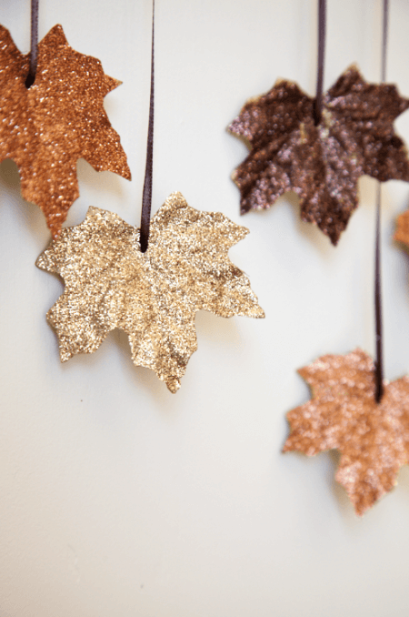 boxwood-clippings_diy-falling-leaves-garland_2-e1379949094746