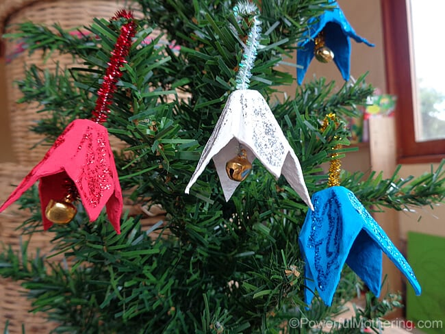Easy christmas kids crafts that anyone can make for Christmas decorations using egg cartons