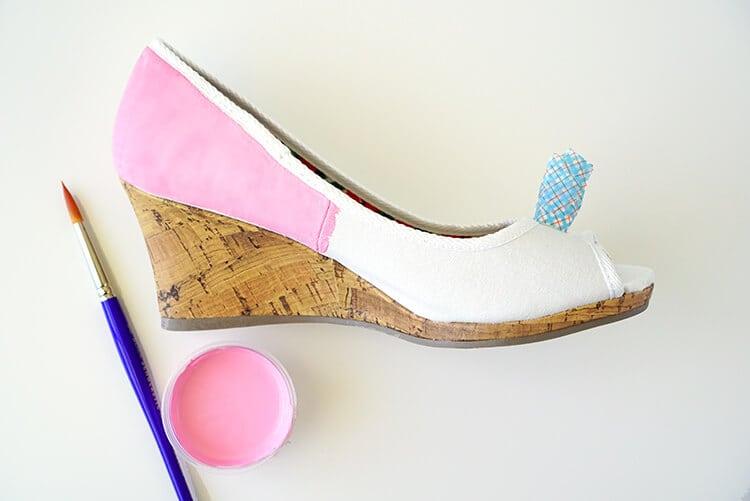 painting-pink-donut-shoes
