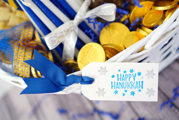 happy-hanukkah-stamped-gift-tag