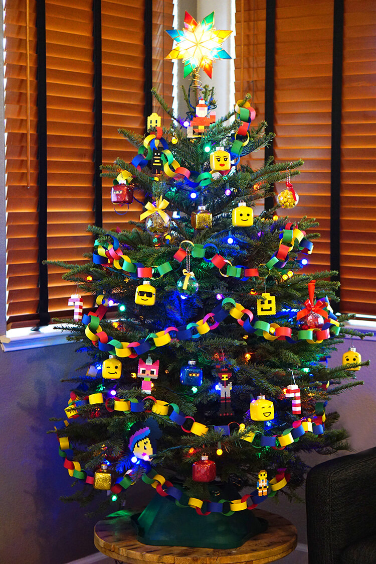 Kids 39 lego themed christmas tree happiness is homemade for Decoration lego
