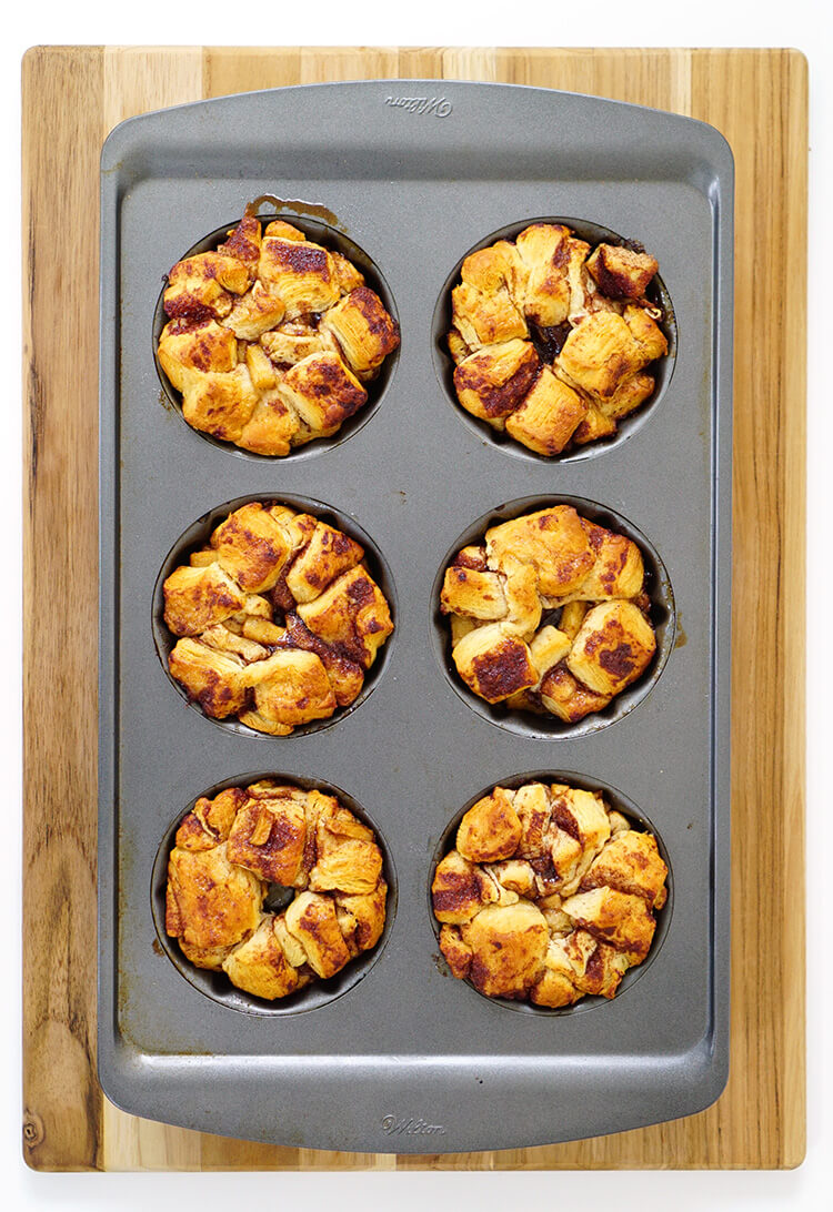 personal-sized-apple-cinnamon-monkey-breads