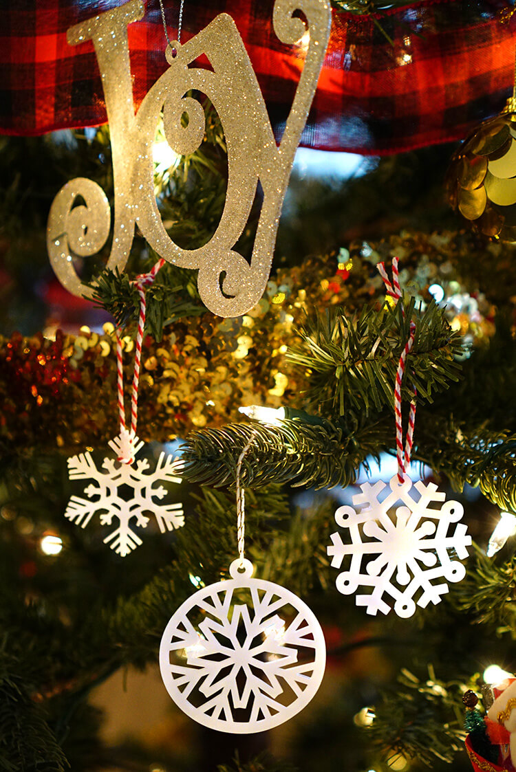 Shrinky Dink Snowflake Ornaments With Cricut Explore