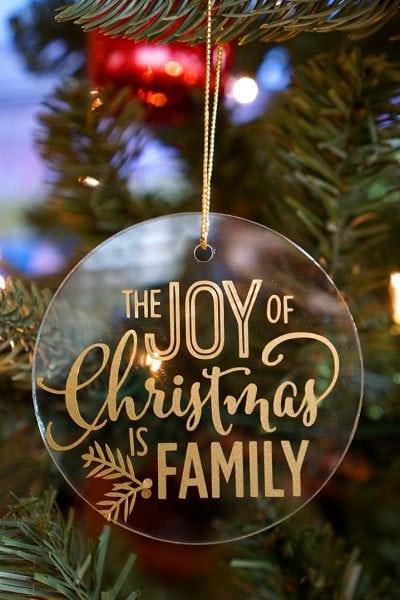 Easy Glass & Vinyl Christmas Ornaments
